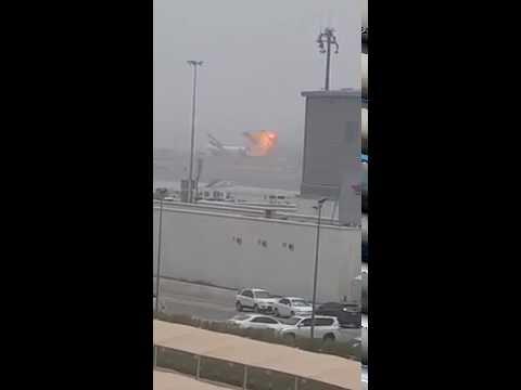[LIVE VIDEO] Emirates plane crash-lands at Dubai airport - Caught On Camera