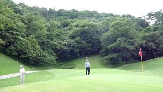 ゴルフ サンドウェッジの柔らかいアプローチの打ち方 thumbnail