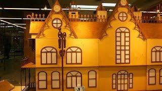 Изготовление модели замка из фанеры размещенного в витрине магазина(, 2015-01-11T21:12:56.000Z)