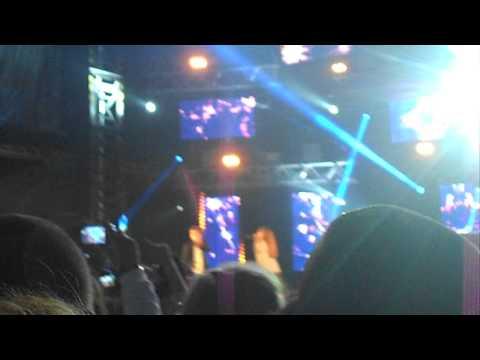 Concert hit west Leslie ft ivyrise