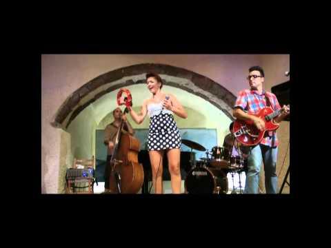 "Penny & The Swingin΄ Cats ""serenata"" live at Megaro Gyzi Festival 2011.wmv"