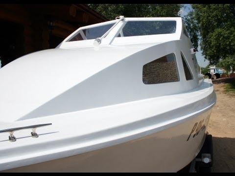 Борис построил катер
