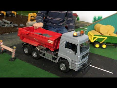 bruder trucks for kids special conversion bruder crans. Black Bedroom Furniture Sets. Home Design Ideas