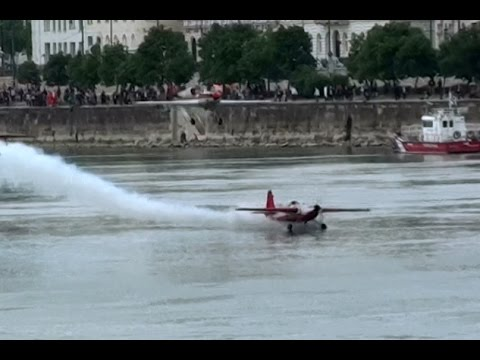 """Guinness record attempt with almost crash at """"A Nagy Futam 2016"""", Budapest"""