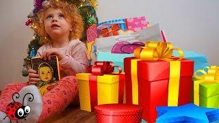 Ce Cadouri a primit Melissa de Craciun   Deschidem Cadourile de sub Bradut