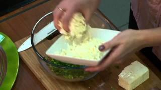 Любимые рецепты. Зеленый салат с брынзой.