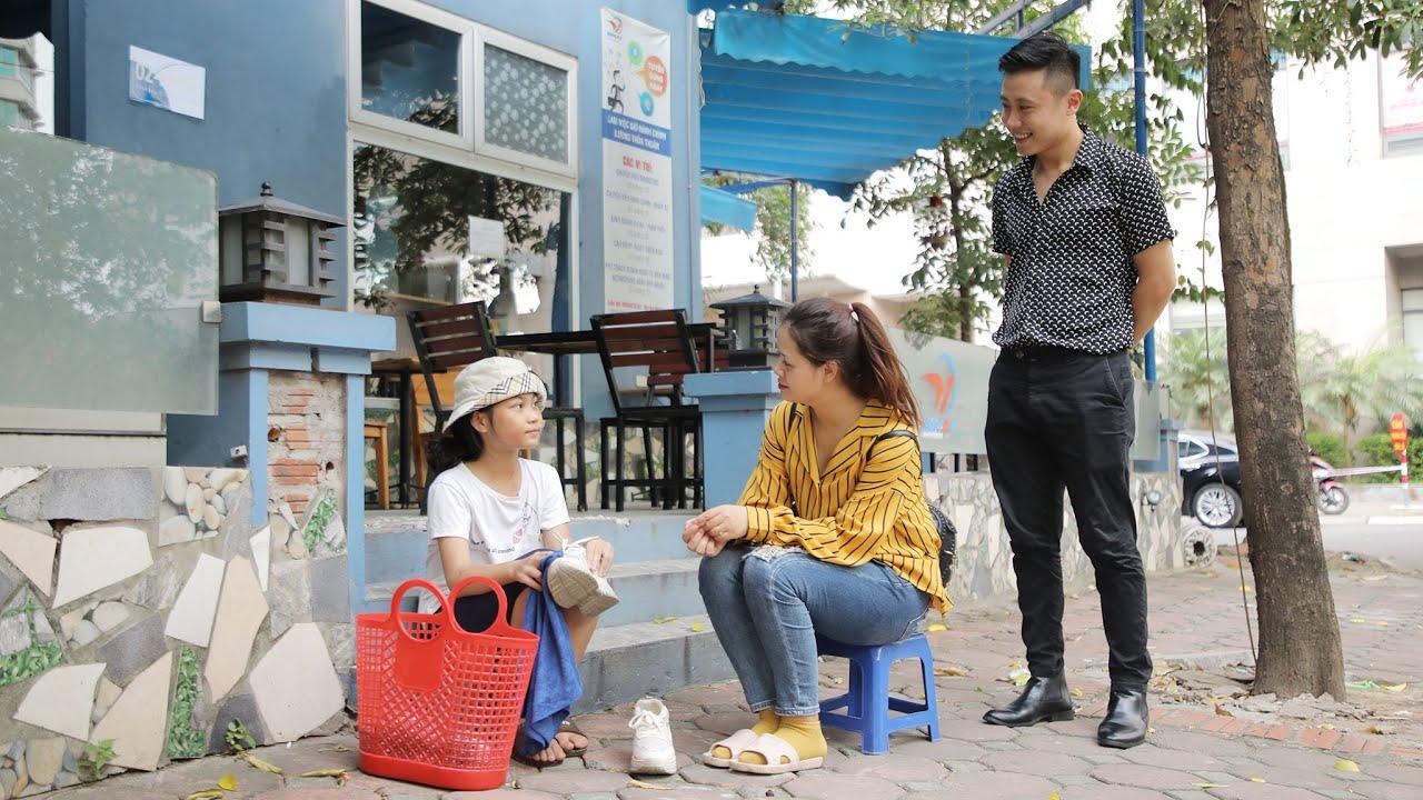 Chủ Tịch Góp Vốn Đầu Tư  Cho Cô Bé Bán Giày Và 20 Năm Sau | Bụi TV