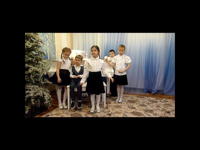 Изображение предпросмотра прочтения – АринаКузьмина читает произведение «Сентябрь холодный бушевал» Ф.И.Тютчева