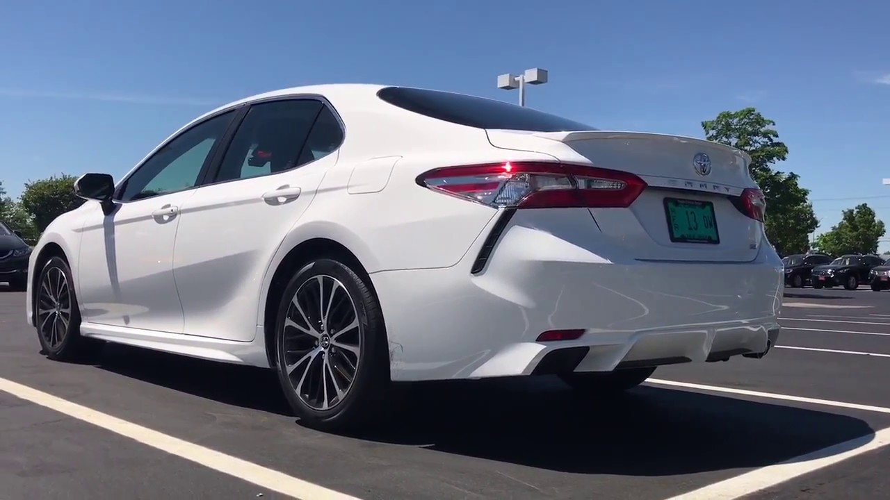 2018 Toyota Camry SE walk around first sneak peak - YouTube
