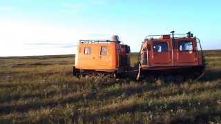 Если бы не вездеход ГАЗ 3351, квадрик бы увяз в болотах тундры.