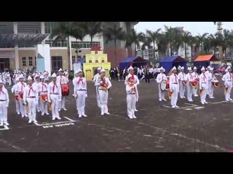 Phần thi nghi thức của Đội Nghi Lễ trường THCS Thăng Long năm 2016