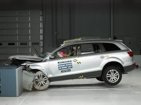 2008 audi q7 moderate overlap iihs crash test youtube. Black Bedroom Furniture Sets. Home Design Ideas