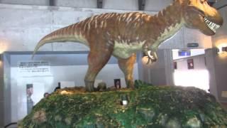 高知県佐川町の佐川地質館に300円払い入るとチラノザウルスが吼えた...