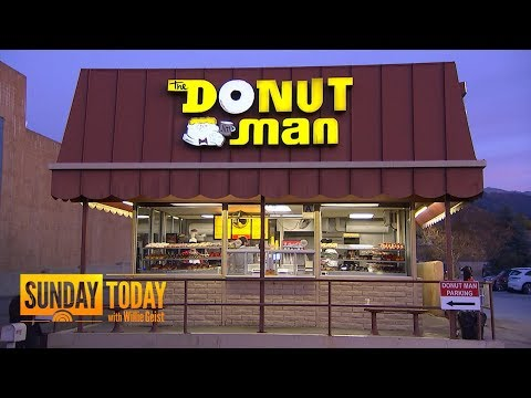 See What Makes This Little California Doughnut Shop So Successful | TODAY