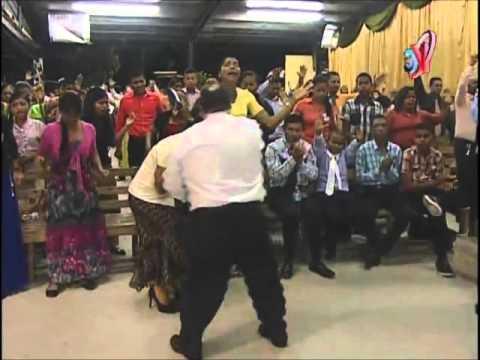 Rev. Carlos Guerra - Atrévete a Mojarte los Pies