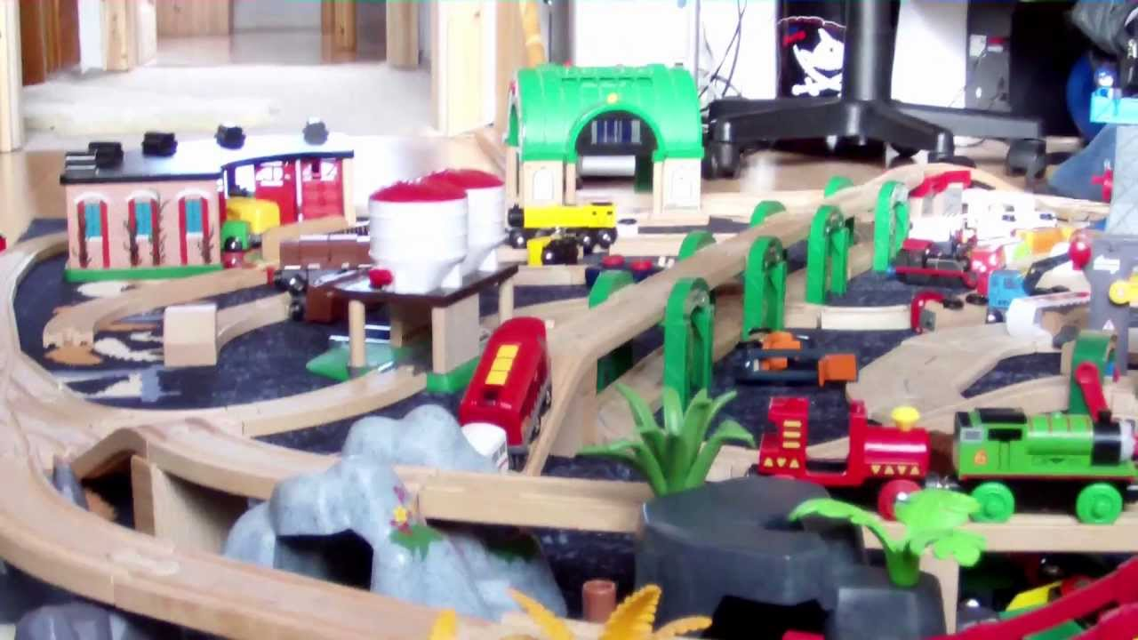brio eisenbahn big fun the party brio wooden railway system hd youtube. Black Bedroom Furniture Sets. Home Design Ideas