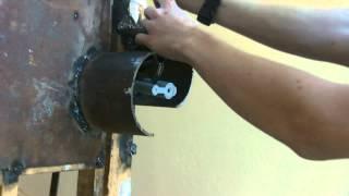 Как снять навесной замок за 19 секунд))(, 2012-04-28T20:17:19.000Z)
