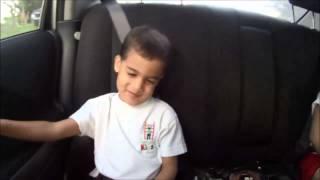 Daniel Asaf Cantando