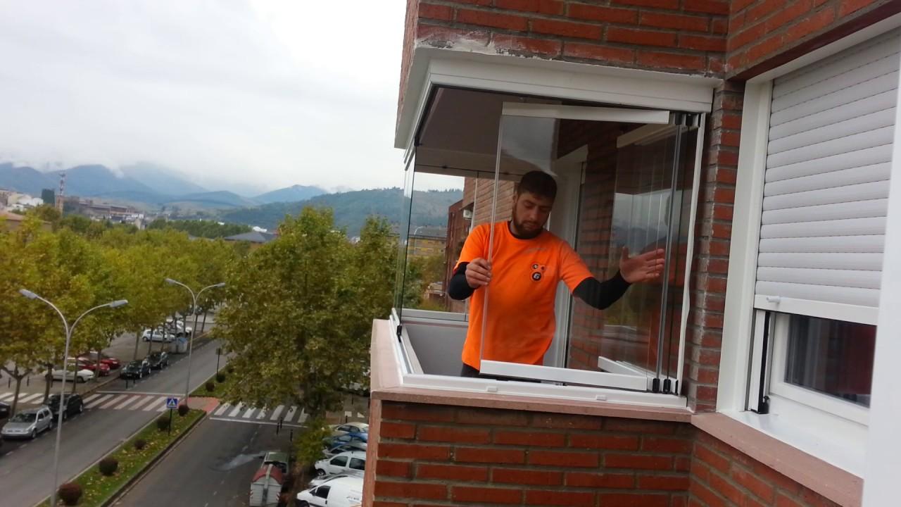 Cerramiento de terrazas con vidrio templado youtube for Cerramientos de cristal para terrazas