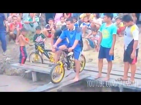 đi xe đạp trên cầu, xem cười vỡ bụng YouTube