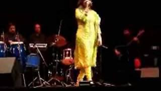 Alka Yagnik - Kuch Kuch Hota Hai - live @ Ottawa, November 2008