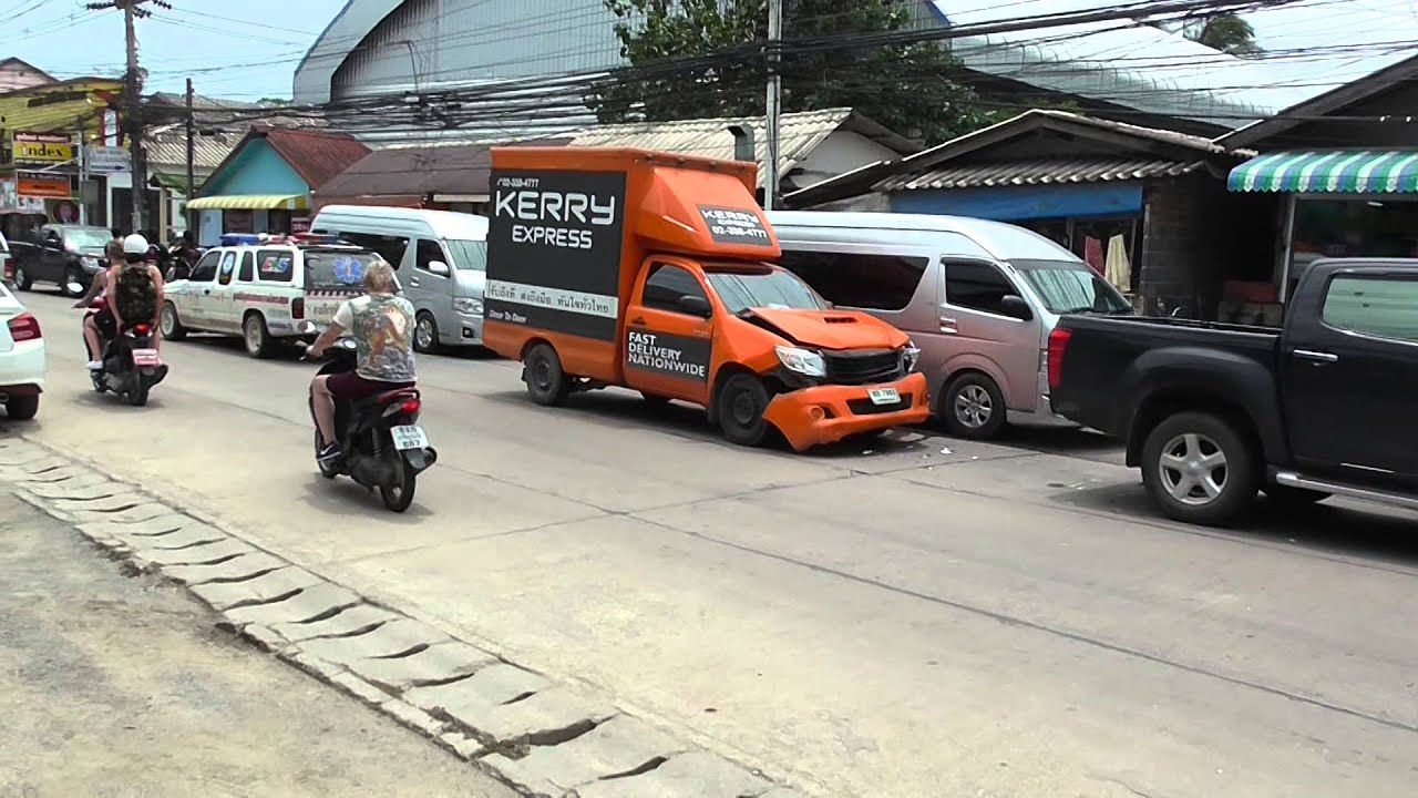 Accident Maenam Koh Samui 18 07 2014