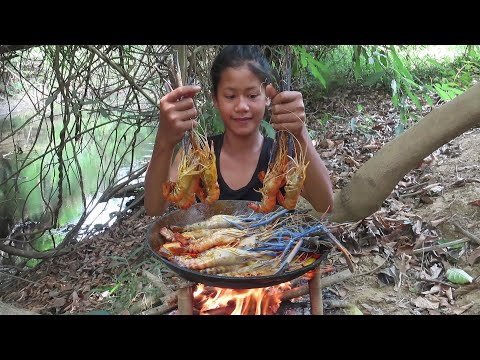 The best food: Cooking Lobster curry with Mushroom and Spicy chili  Survival skills Anywhere Ep 101