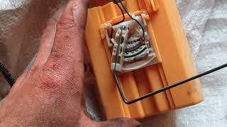 снятие топливного бака и замена датчика уровня топлива на ситроен берлинго