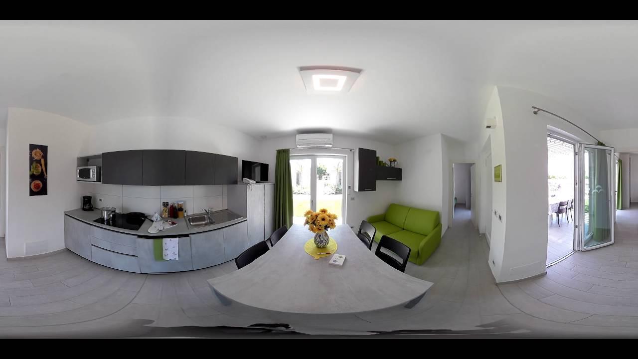 Cucina al Camping Piani di Clodia - Video 360 - YouTube