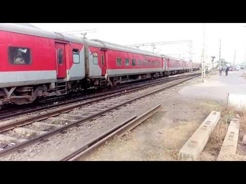 22412/New Delhi - Naharlagun AC SF Express Departed From Gorakhpur Jn