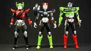 5話で腕は赤、7話で足は黒、12話で顔は緑と言っていますが 、胴体部分の...