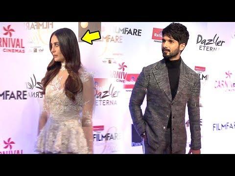 Kareena Kapoor LEAVES When Shahid Kapoor ARRIVES At Filmfare Awards 2017