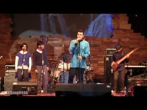 Tulus - Sewindu @ Ramadhan Jazz Festival 2013 [HD]