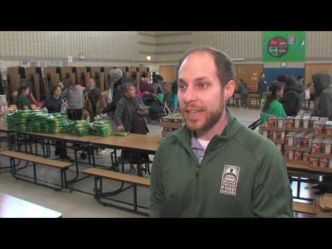 Greater Chicago Food Depository Helps Children at Lloyd Elementary School
