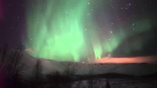 Полярное сияние 14.03.2015(Полярные сияния (Aurora Borealis). Снято 14 марта 2015 года. Видеосъемка. Место съемки - Мурманская область, горы Хибины..., 2015-03-14T21:26:05.000Z)