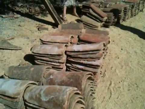 Reconstruction work after the Quake - rescuing materials : roof tile
