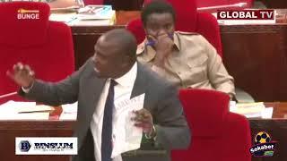 HECHE: WATU  Wanavamia Wanaweka Alama za Hifadhi Mpaka Shule