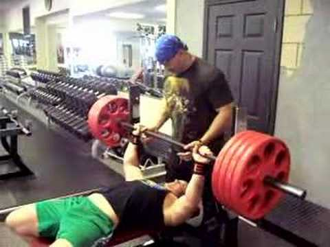 How Do You Bench Press 405lbs For Reps Youtube