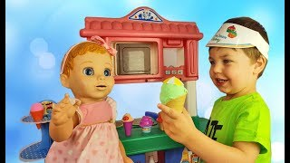 Richard play with ice cream shop