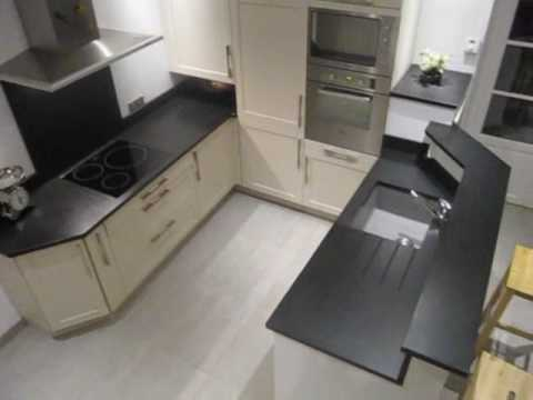 plan de travail cuisine granit noir fin aspect youtube. Black Bedroom Furniture Sets. Home Design Ideas