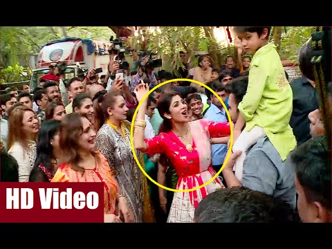 Shilpa Shetty's Ganpati Visarjan | Ganesh Chaturthi 2016.