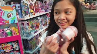 TOY HUNT CHALLENGE with Kaycee & Rachel in Wonderland