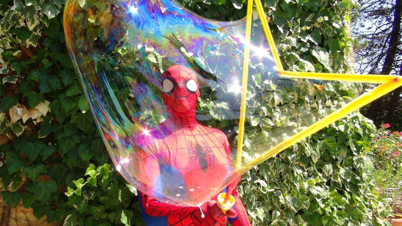 Spiderman Et La Reine Des Neiges : Bulles De Savons Géantes Jeux Enfants