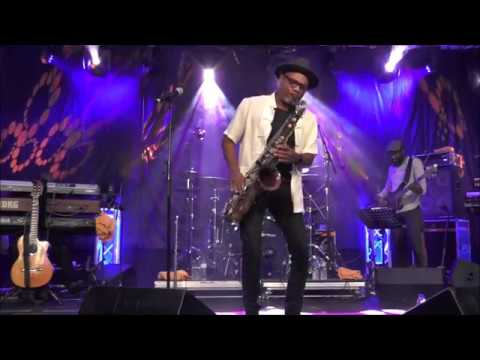 Big Ol Shoes  Kirk Whalum at 2 Algarve Smooth Jazz Festival 2017