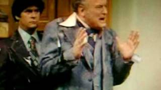 "Wkrp Turkey Drop ""as God As My Witness I Thought Turkeys Could Fly"""