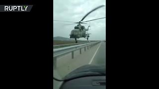 В Чечне вертолёт испугал водителей машин