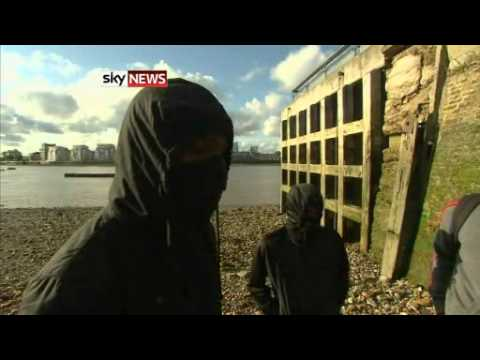 UK riots 2011: Teenagers Involved In London Looting Tell Sky News Looting Was Like A 'Shopping Spree