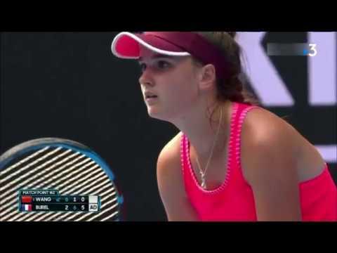 Tennis : qui est Clara Burel, sélectionnée par Yannick Noah pour la Fed Cup ?