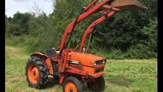 Kubota L2601 2WD Compact Tractor with Power Loader 26HP