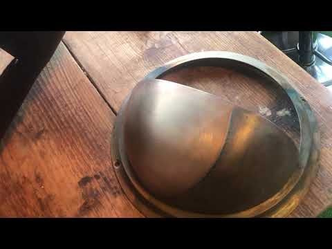 A easy way to clean brass with white wine vinegar